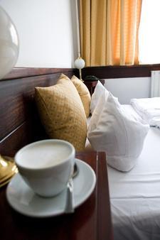 Hotel Gloria Budapest - Budapest - Bedroom