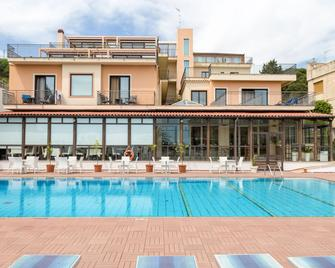Hotel Villa Esperia - Taormina - Piscina