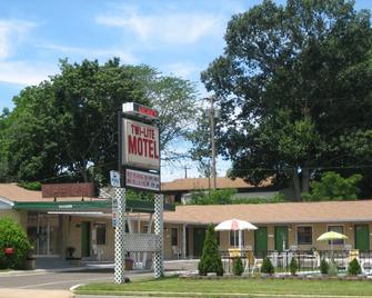 Twi-Lite Motel - Front Royal - Building