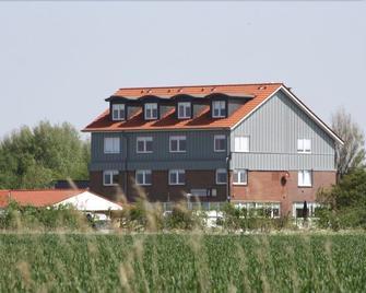 Großer Krug Hotel - Norden - Building
