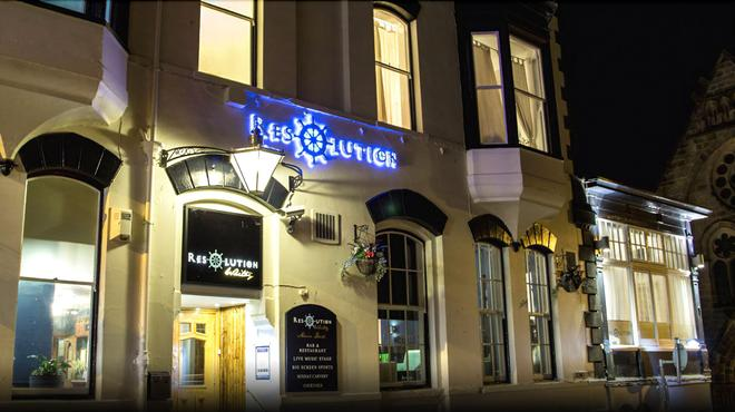 The Resolution Hotel - Whitby - Building