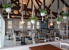 Beachfront Hotel - Hokitika - Restaurant