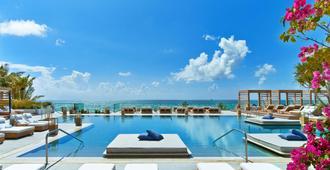 1 هوتل ساوث بيتش - ميامي بيتش - حوض السباحة