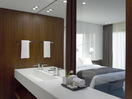 The Met Hotel, Thessaloniki, a Member of Design Hotels' - Thessaloniki - Bathroom