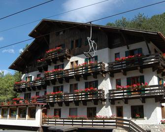 Hotel Mille Pini - Scanno - Edificio