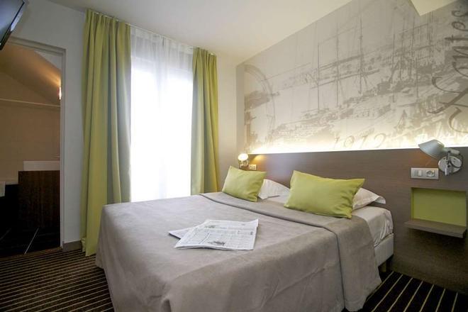 Hotel Amiral - Nantes - Schlafzimmer