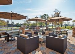 Holiday Inn Harrisburg East - Middletown - Patio