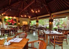 Villa Victoria - 登巴薩 - 餐廳