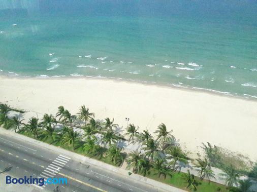 Muong Thanh Luxury Da Nang Hotel - Da Nang - Beach