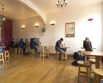 Sheilas Tourist Hotel - Cork