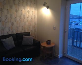 Kevara Self-Catering - Kirkwall - Living room