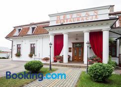 Dwór Hetman - Jarosław - Building
