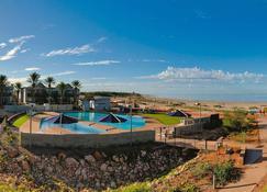 Mantarays Ningaloo Beach Resort - Exmouth - Beach