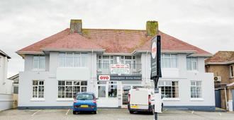 OYO Godolphin Arms Hotel - Newquay - Edificio