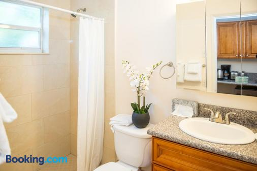 Shore Haven Resort Inn - Lauderdale-by-the-Sea - Μπάνιο