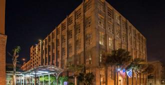 Hampton Inn & Suites New Orleans Convention Center - New Orleans - Gebouw