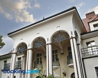 Rezydencja - Lehnice - Building