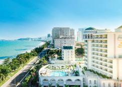Sunrise Nha Trang Beach Hotel & Spa - Nha Trang - Outdoors view