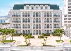 Sunrise Nha Trang Beach Hotel & Spa - Nha Trang - Building
