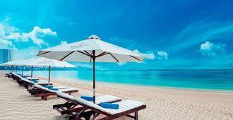 Sunrise Nha Trang Beach Hotel & Spa - Nha Trang - Beach