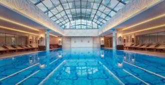 CVK Park Bosphorus Hotel Istanbul - איסטנבול - בניין