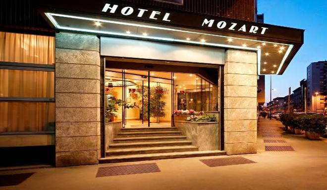 Hotel Mozart - Milan - Building