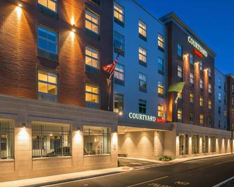 Courtyard by Marriott Edgewater NYC Area - Еджуотер - Building