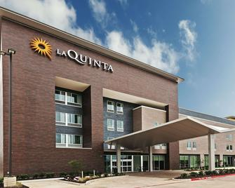 La Quinta Inn & Suites by Wyndham College Station South - Колледж Стейшн - Building