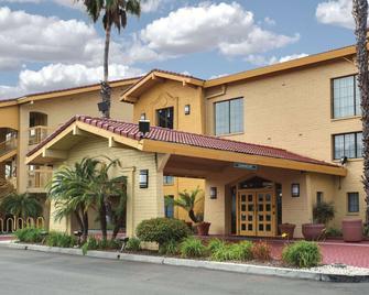 La Quinta Inn by Wyndham Ventura - Вентура - Здание