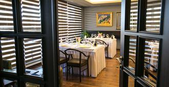 Hotel Victoria - Τίρανα