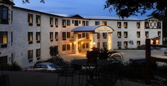 Inn on Barons Creek - Fredericksburg - Edificio