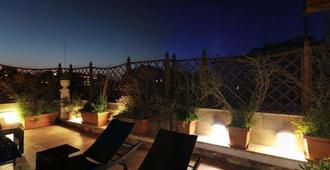 Hotel Adria - בארי - מרפסת