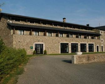 Hotel Bernat de So - Llivia - Building
