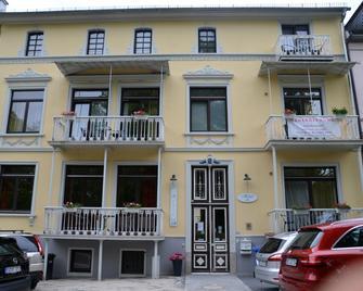 Hotel Villa Kisseleff - Бад-Хомбург - Building