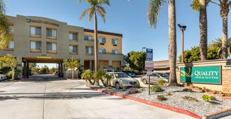 Quality Inn and Suites Huntington Beach - Huntington Beach - Κτίριο