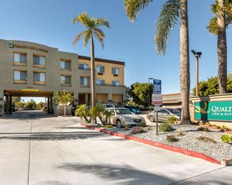 Quality Inn and Suites Huntington Beach - Huntington Beach - Building