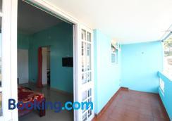 RK Holiday Home - Ooty - Balcony
