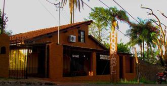 Iguazu Rey Hostel - Puerto Iguazú - Κτίριο