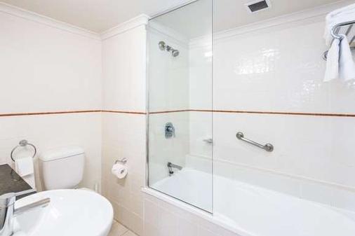 Mantra On Queen - Brisbane - Bathroom