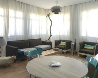 Cosy Marsa Plage - La Marsa - Living room