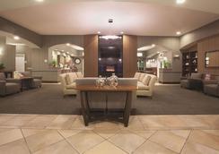 La Quinta Inn & Suites by Wyndham Albuquerque Midtown - Albuquerque - Lounge
