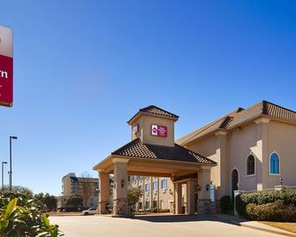 Best Western Plus Southpark Inn & Suites - Tyler - Building