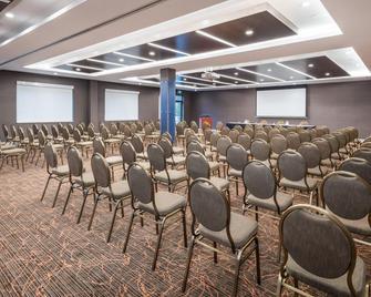 Holiday Inn Express & Suites Milton - Мілтон - Зал засідань