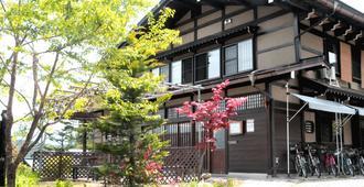 櫻花民宿 - 高山 - 建築