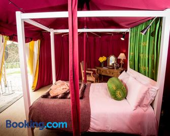 Knights Glamping AT Leeds Castle - Maidstone - Bedroom