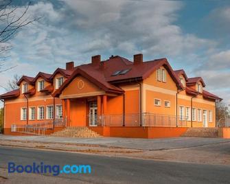Hotel Fregata - Uniejow - Building