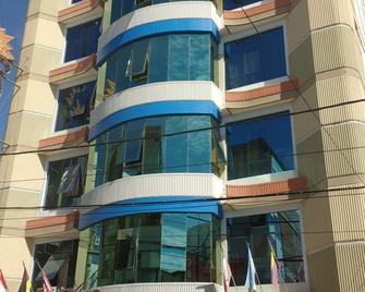Rizzo Plaza Hotel - Тумбес - Building