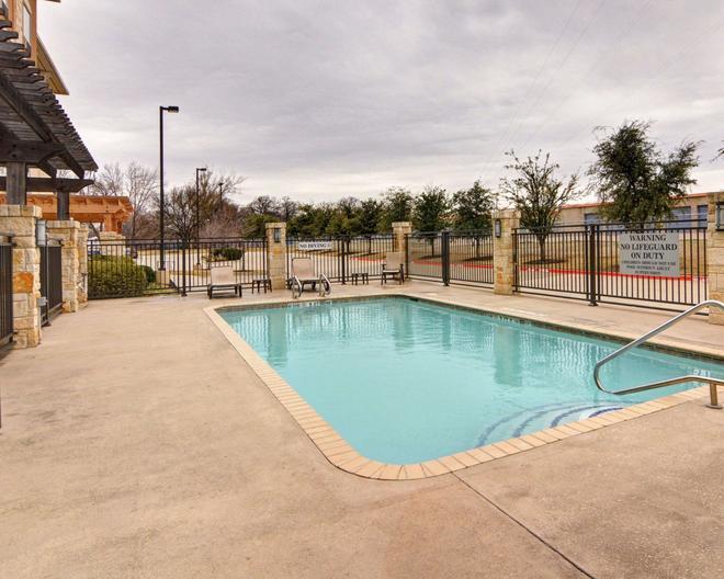 Comfort Suites Arlington - Entertainment District - Arlington - Pool