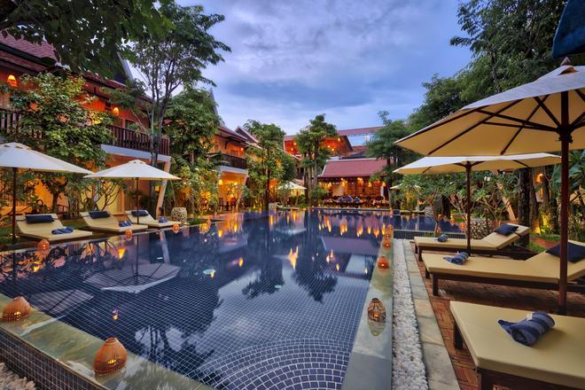 瑪尼村套房酒店 - 暹粒 - 游泳池