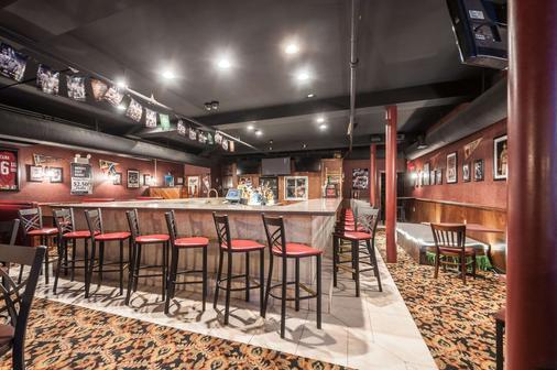 Rodeway Inn & Suites - Charles Town - Bar